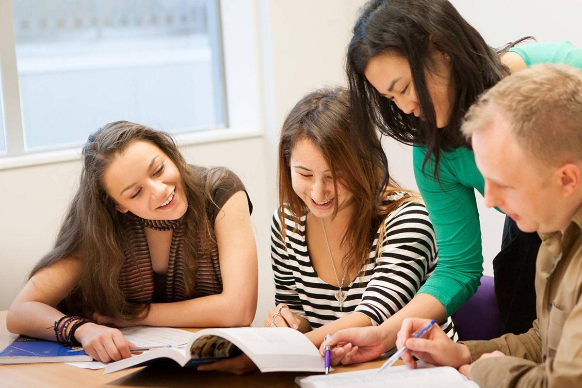 Курсы английского в NZLC