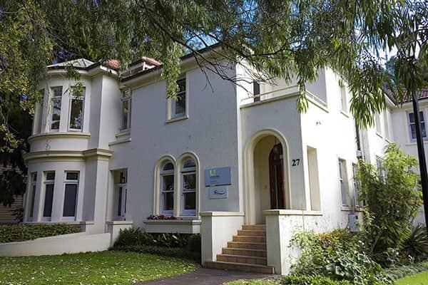 Здание языковой школы Languages International
