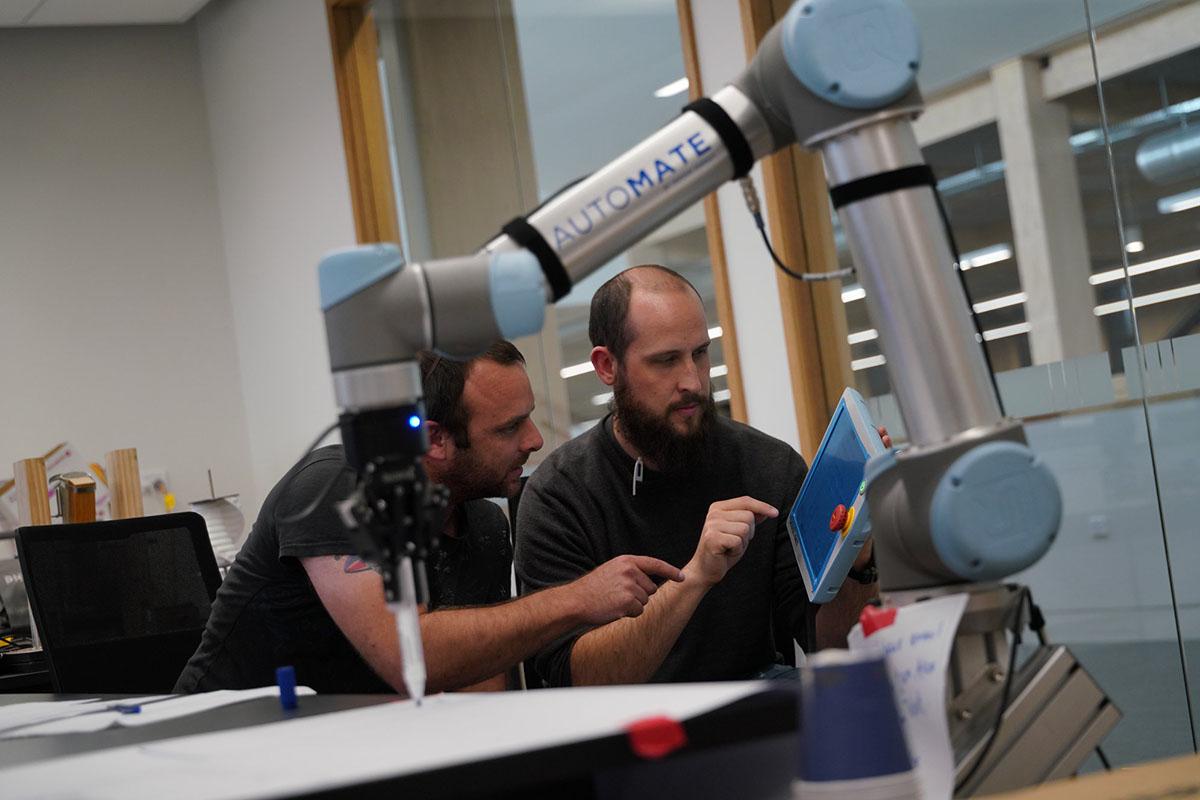 Инженеры и программисты в Ara Institute of Canterbury