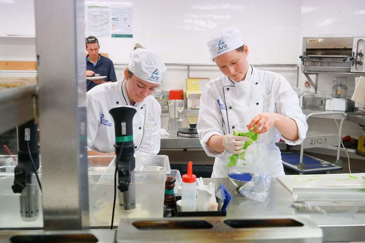 Уроки кулинарии в Ara Institute of Canterbury